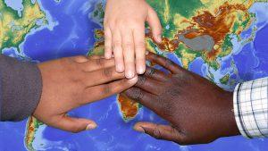 רילוקיישן עם הילדים: המדריך המלא להורים המתלבטים